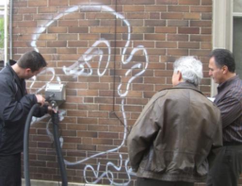 Graffiti Entfernen auf Klinker