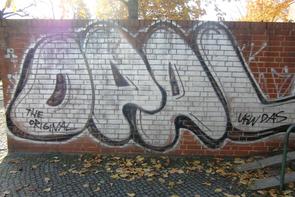 Klinkermauer reinigen Graffiti