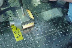 Entlacken von Metallplatten
