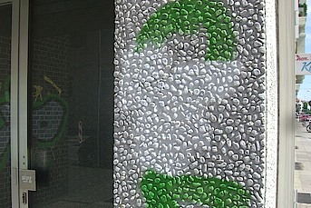 Waschbetonwand Graffiti entfernen