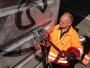 Reinigung Beton Graffiti