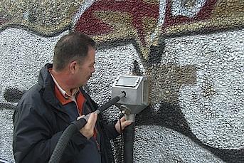 Waschbeton Reinigung Graffiti